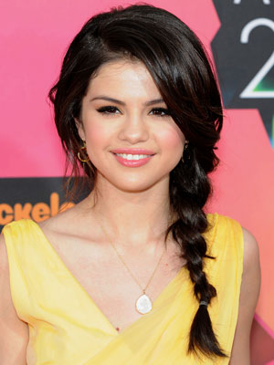 selena gomez kid pictures. Selena Gomez Kids Choice