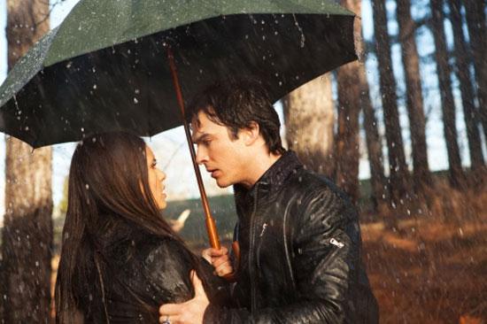 vampire diaries damon and elena kissing. Editor B: Elena and Stefan