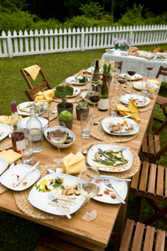Ideas For Backyard Bbq Party : Go Back > Gallery For > Backyard Bbq Party Decorating Ideas