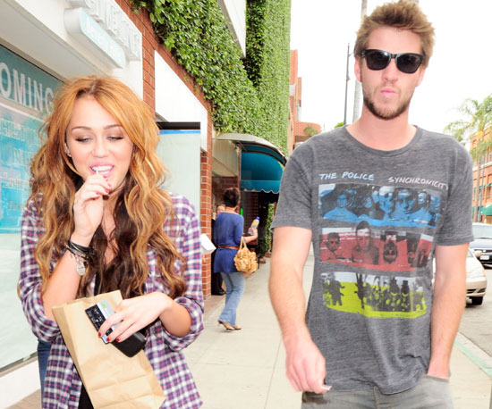 http://media.onsugar.com/files/2010/04/15/4/192/1922398/0dd4c6877eeae839_miley.jpg