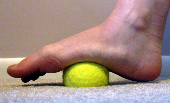 ball of foot pain symptoms