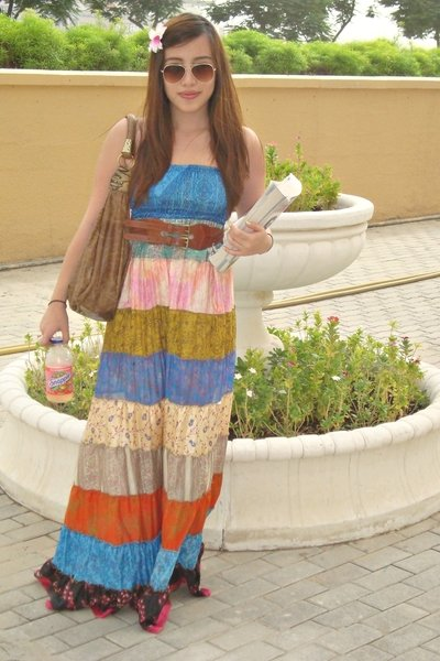 Tipsy Gipsy Long Summer Dress Accessorize Orchids Clip-ons Hair Accessories Dubai Outlet Mall Boho Bag Brown Boots Forever 21 Knit Double Layer Brown Belt Steve Madden Espadrille Wedges Black Shoes For Love 21 Gold Glasses