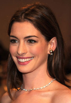 how to get anne hathaways hair color popsugar beauty