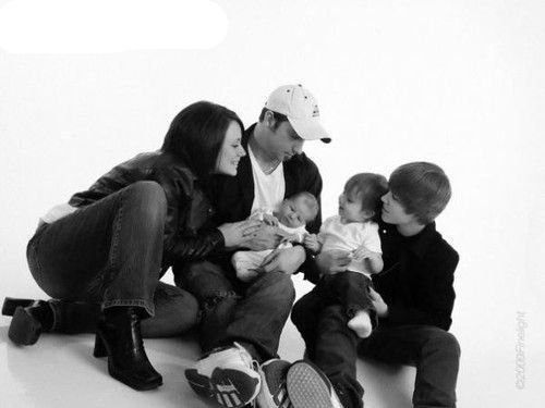 """Justin Bieber Official ""Photo of Justin Bieber Family Time!"