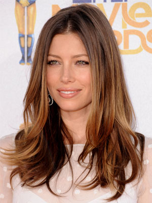 jessica biel hair color 2010. Jessica Biel showed off a chic