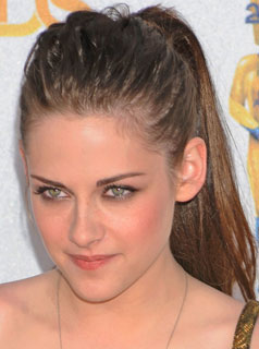 Kristen Stewart Hair Extensions on Kristen Stewart S Extensions  Rihanna S Red Hair  Lo Bosworth Talks