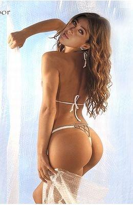 Karishma kapoor in bikini