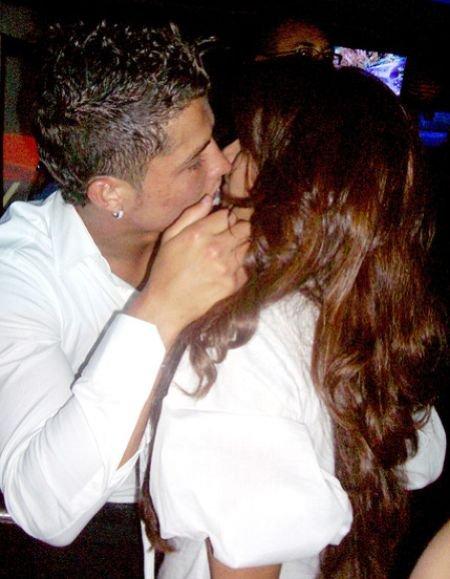 bipasha basu kissing ronaldo