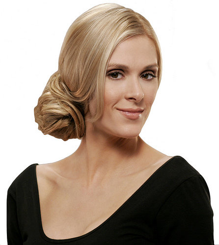 To see more hairstyle blond fashion 2010