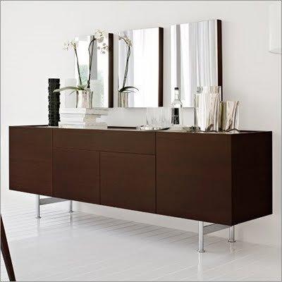 Italian Modern Furniture Design on This Furniture Italian Modern Design With A Three Compartment Buffet