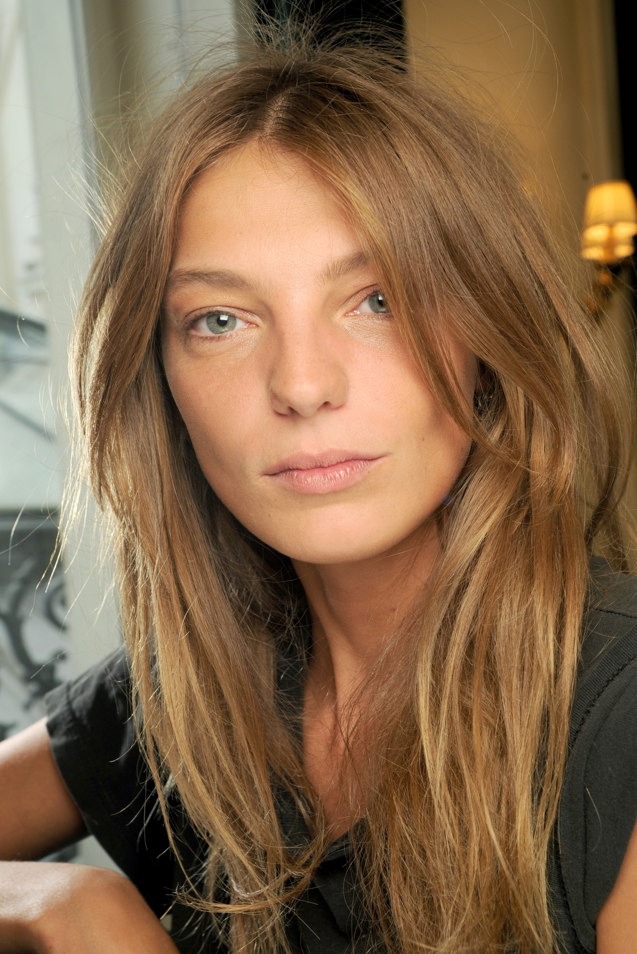 The 33-year old daughter of father (?) and mother(?), 180 cm tall Daria Werbowy in 2017 photo