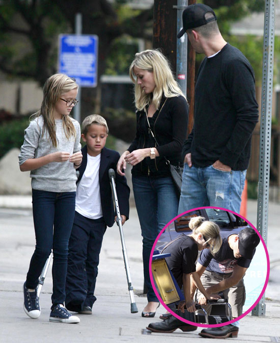 Pictures of Reese Witherspoon With Jim Toth, Deacon, and ... Ryan Phillippe Injury
