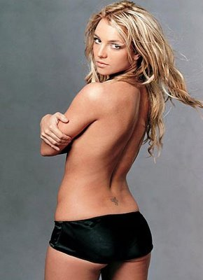 http://media.onsugar.com/files/2010/11/44/6/1185/11852907/6b/britney_spears_fairy_celebrity_sexy_tattoo.jpg