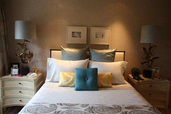 Pictures of the 2010 elle decor showhouse in san francisco for Junior room decor ideas