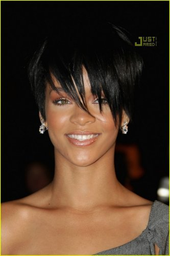 Rihanna short hair style. Rihanna short hair style