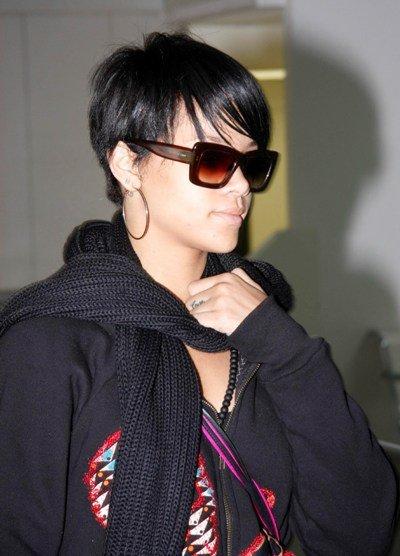 rihanna short hair styles 2010. Rihanna short hair style