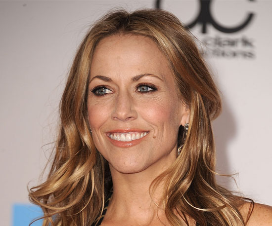The majority of you were loving Sheryl Crow's makeup look at the AMAs, ...