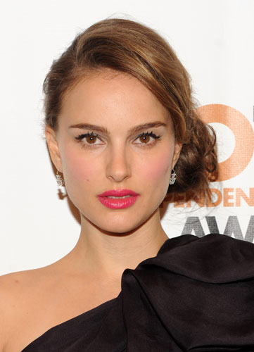 natalie portman lipstick. Natalie Portman wore the