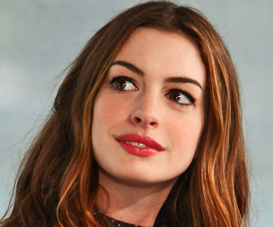 pictures of anne hathaway in love and. Anne Hathaway wore this simple