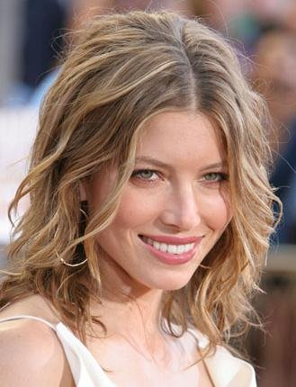 2010 Cute Medium Hairstyles for Wavy Hair