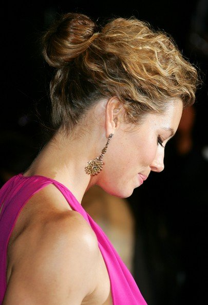 Jessica Biel Medium Cute Hairstyles for Women 2010