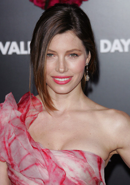 jessica biel hairstyle. Jessica Biel Medium Cute Hairstyles for Women 2010