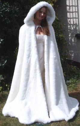 Winterweddingcloak best winter wonderland wedding dresses