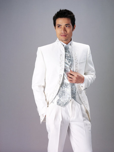 men wedding suit 3 Hot Men Wedding Dresses 2010