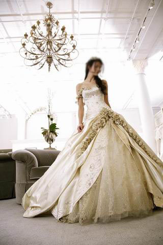 gold chandelier 12133333 std Beautyfull Gold Wedding Gowns