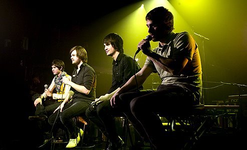 Its current members include Brendon Urie (vocals, guitar, keyboards),
