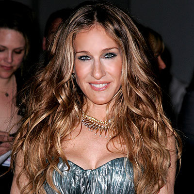 carrie bradshaw hairstyle. Carrie Bradshaw Hairstyles 2010