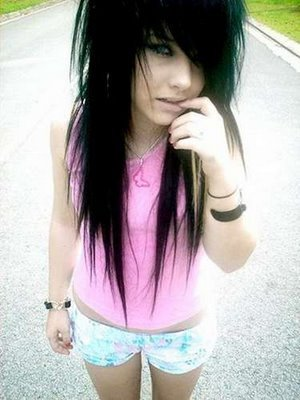 Long Emo Hairstyle that look beautiful when made by girl