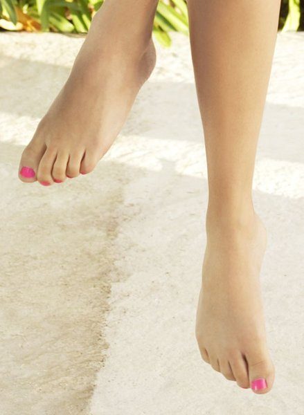 Shakira Feet Photo picture Butterfly And Stars Foot Tattoos