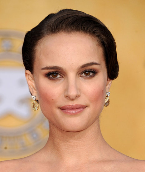 Natalie Portman Sag Awards Red Carpet. Hot mama-to-be Natalie Portman