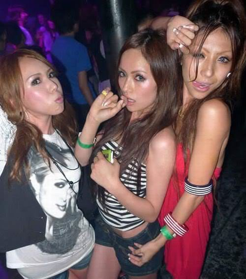 Chinese youth partying pics