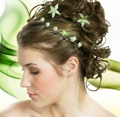 prom hairstyles 2011 for long hair half up. prom hairstyles half up curly.