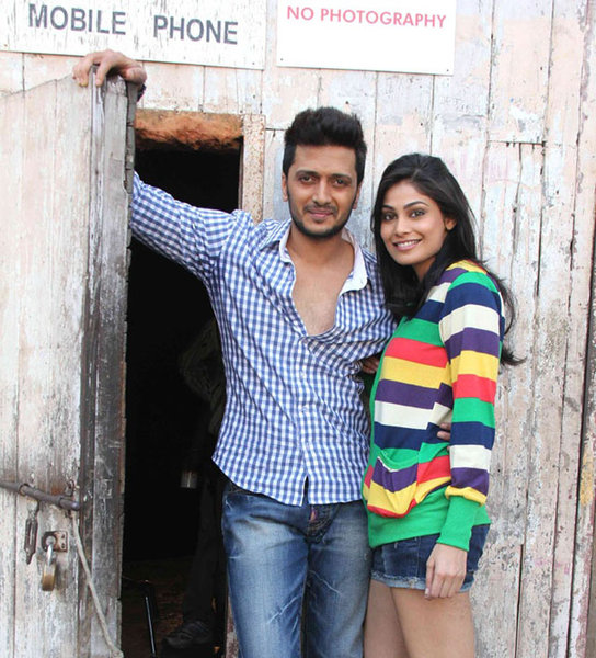 Photos 'FALTU' Movie On Location Shoot