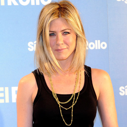 jennifer aniston hair bob 2011. Jennifer Aniston Cuts Her Hair