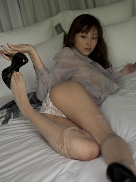 Angreji Beat: Anri Sugihara in bed when you tired after work