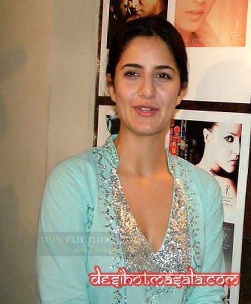 NRI Babe Katrina Kaif without Make Up Pictures