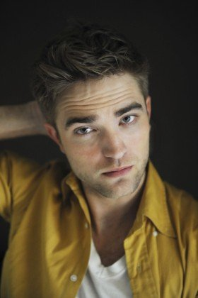 Eclipse robert pattinson1 280x420 Robert Pattinson Listed At #2 In ABCs Celebrity Minimalist List robert pattinson