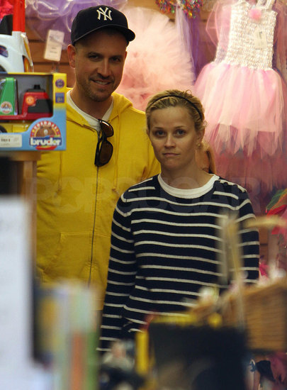Reese Witherspoon And Ava. Reese Witherspoon took Ava and