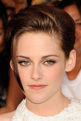 kristen stewart hair up. Stewart keeps the hair and
