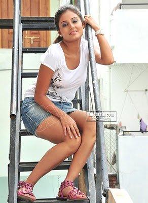 EXPOSING Photoshoot Spicy Leg Show By Actress ARCHANA GUPTA Hot Pics