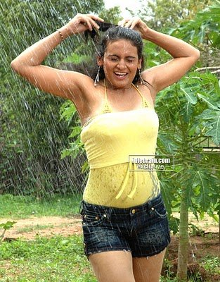 DESI HOT MASALA Photo gallery Of South Actress JYOTHIKA Spicy Photo Gallery
