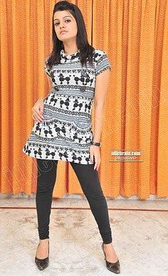 Tashu Kaushik Tamil Hot Actress Masala Photo Gallery