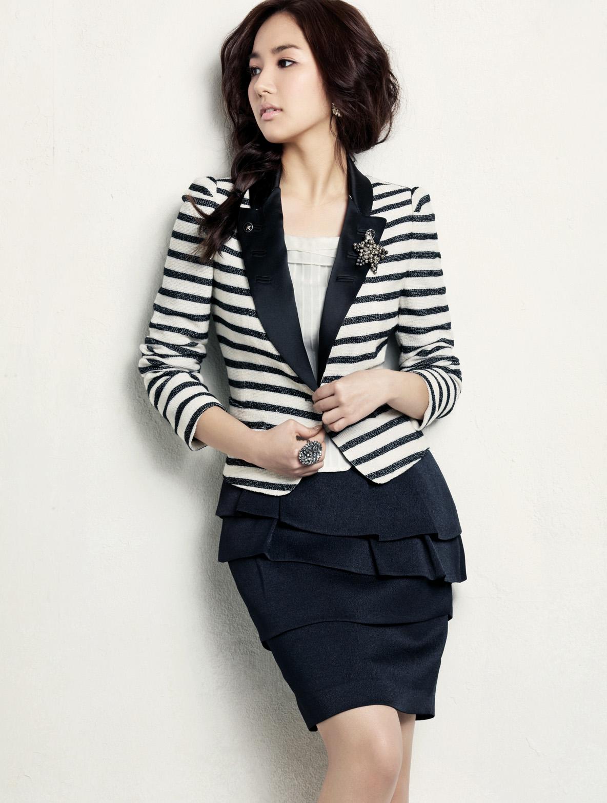 Fashion Style Baju Kerja Model Blazer Wanita Korea