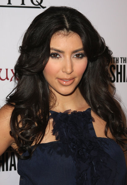 kim kardashian hair color 2010. (http://www.macrumors.com/iphone/2009/11/03/apple-begins-shipping-tomtom-car-kit-in-u-s/). kim kardashian hair color brown. Kim Kardashian Hair Color