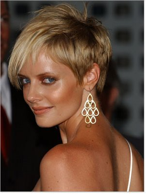 wedding hairstyles for short hair 2011. very short haircuts styles