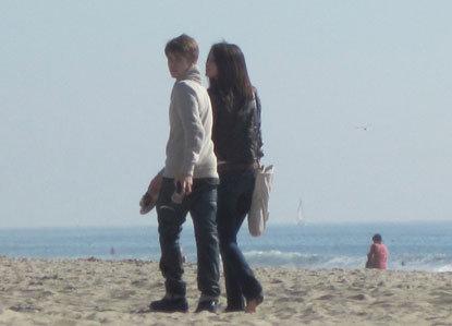 selena gomez y taylor lautner besandose. justin bieber y selena gomez besandose. Justin Bieber and Selena Gomez